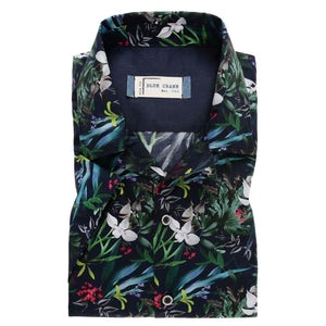 Dark blue print slim fit casual shirt with short sleeves. 3100332-180-190-000